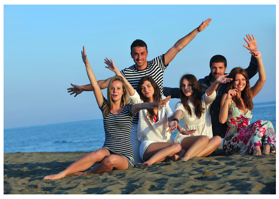 people-having-fun-at-the-beach-photo-taken-by-mission-beach-in-san-diego