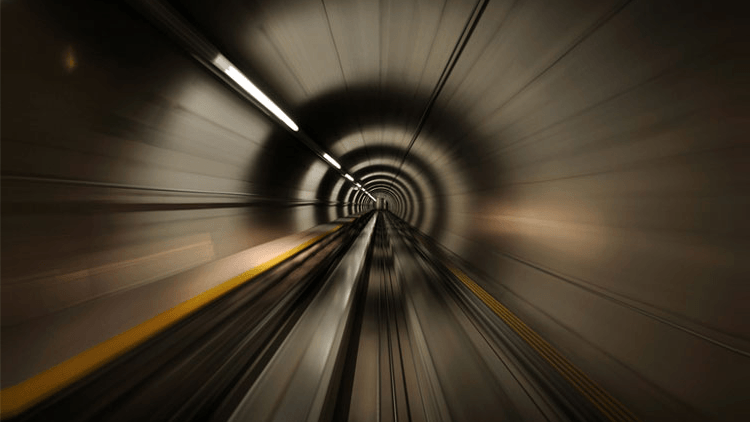 how-to-stay-focused-on-your-content-marketing-plan-tunnel-vision