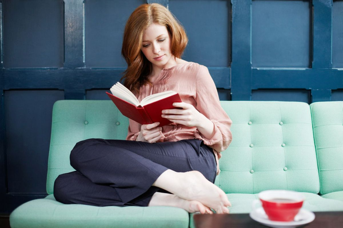 Productivity: 4 Reasons Why You Should Read More Books In Order To Be Successful and More Productive